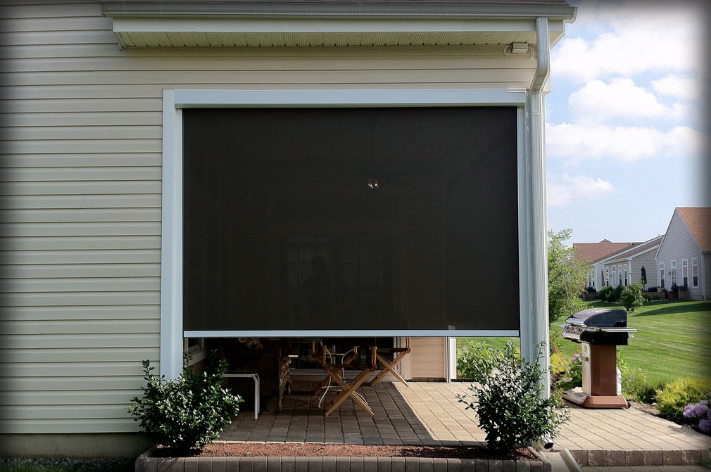 Retractable solar shades shade curtains for houses for Motorized exterior solar shades