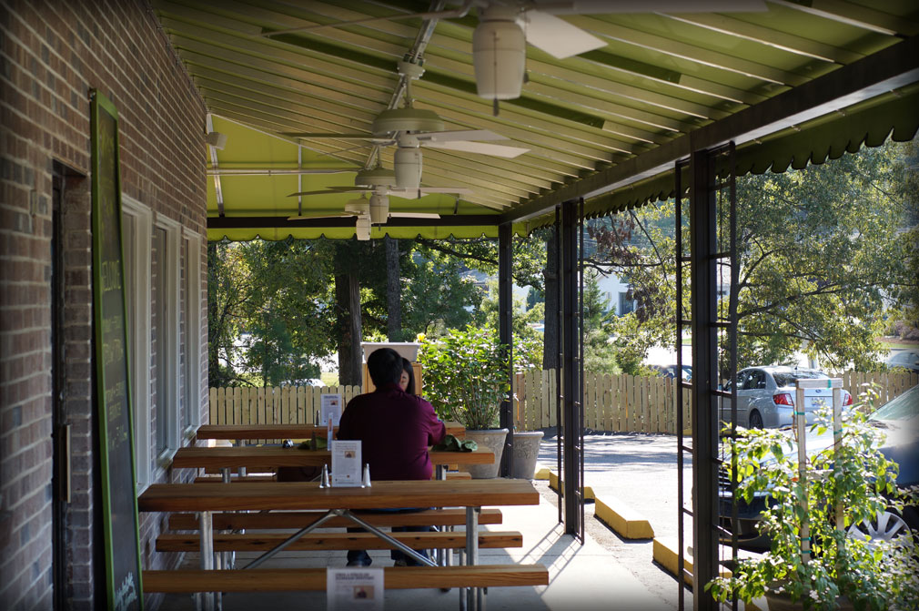 Restaurant patio covers outdoor dining canopies for Restaurants with outdoor seating